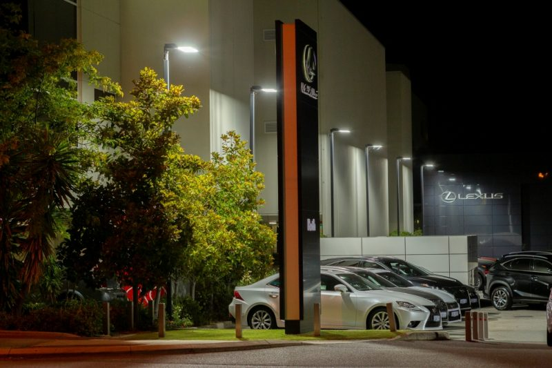 Lexus 1000×700
